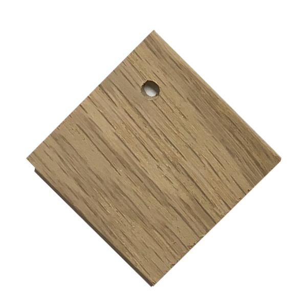 oak-square-tag-hanging