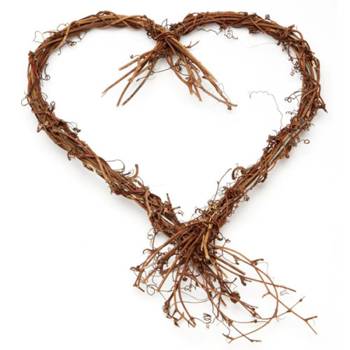 Vine HEart with Twiggy Tails - The Essentials Company